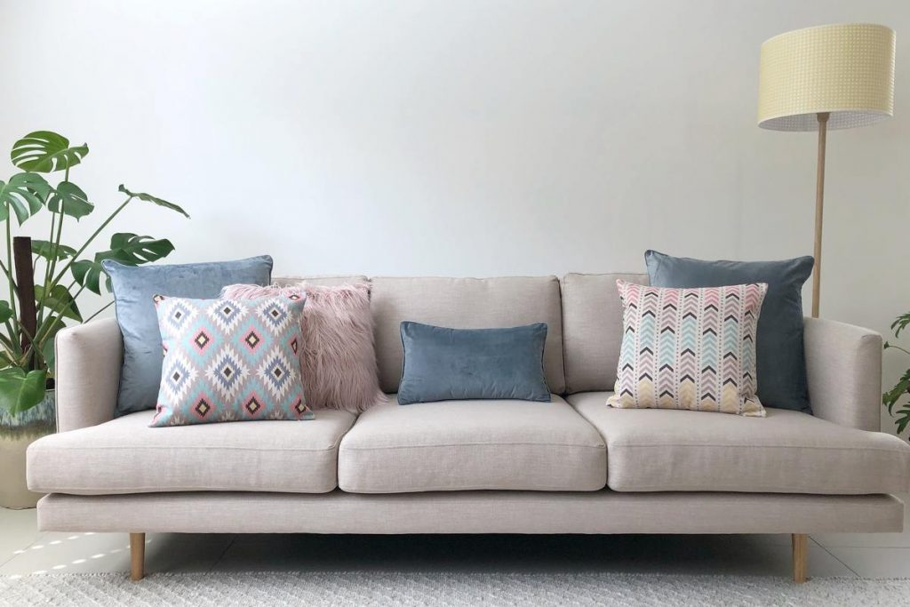 How To Decorate With Scatter Cushions Australia Simply Cushions Magnificent How To Decorate A Pillow
